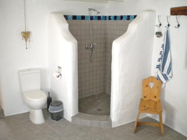 grosses-bad-mit-duschecke