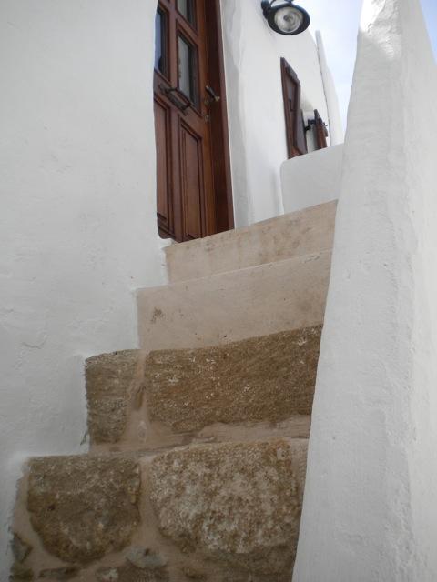 turmzimmer-lachania-rhodes-aufgang-zum-turmzimmer